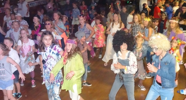 School Disco19th May 2017 01