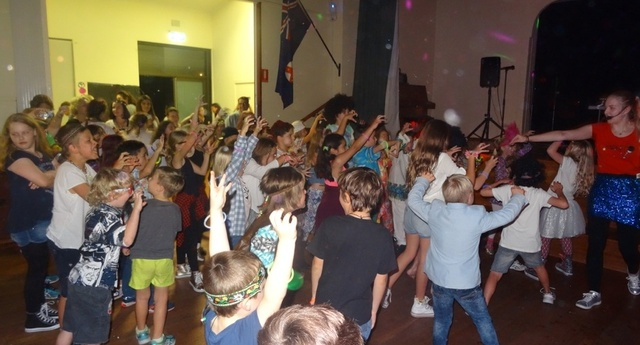 School Disco19th May 2017 03